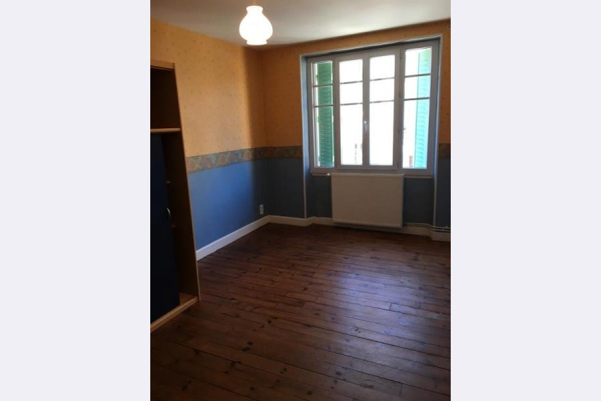 Location appartement 3 pièces 59 m² – AHUN – 23